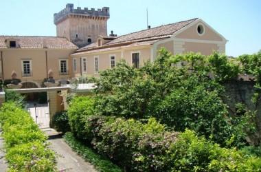 """RECALE. Villa Porfidia, a Recale, si """"apre"""" alla solidarietà."""