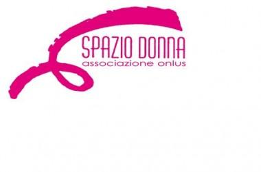 Ottobre,campagna nastro rosa per la prevenzione del cancro al seno, secondo i  dati forniti dall'A.I.R.C