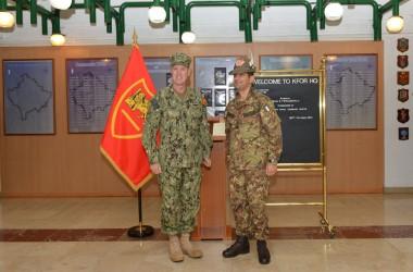 KFOR PAO: Il Generale Figliuolo incontra il comandante del Joint Force Command di Napoli