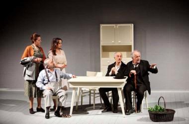 Mercoledì 22 ottobre 2014, Teatro Comunale di Caserta Le Voci di Dentro di Eduardo De Filippo