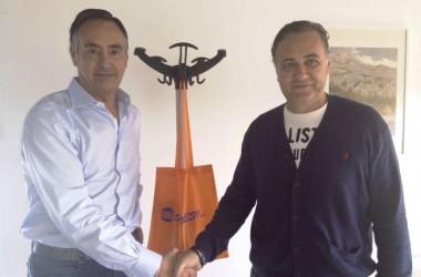 La società Volleyball Aversa e la Senesi Spa annunciano un accordo di partnership per la stagione 2014/2015
