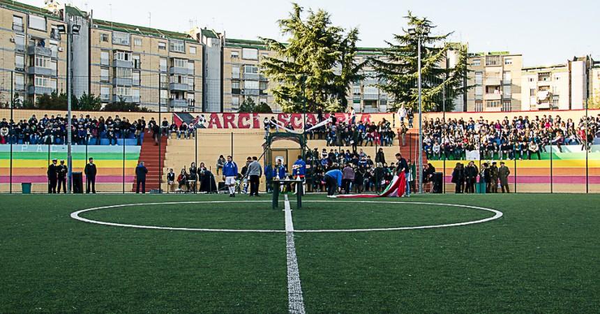 2013/12/11 al Centro Sportivo Arci Scampia (NA), si è svolta un' iniziativa contro l'illegalità che ha visto partecipare rappresentanze di alcune scuole della zona e esponenti delle istituzioni locali.