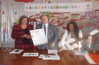 25° Giornata ONU Diritti Infanzia. Il preside Mesolella riceve Menzione Speciale per l'impegno educativo a favore della Pace e dei diritti dell'infanzia