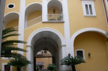 Scelti per voi,  incontri con gli autori a la musica dal vivo Palazzo Lanza