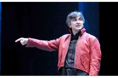"""Giovedì 27 novembre: Vincenzo Salemme porta in scena """"Sogni e Bisogni"""", al Teatro Comunale Costantino Parravano di Caserta"""