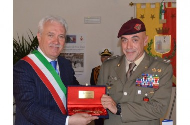 Al generale Masiello l'Ordine Cavalleresco della Legion d'Honneur