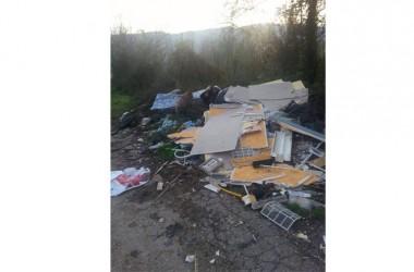 DRAGONI – Scoperti gli autori di alcuni sversamenti illeciti di rifiuti verificatisi nelle ultime settimane nelle periferie cittadine.