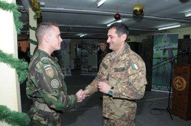 Il Comandante della Kosovo Force in visita alle Unità Dipendenti