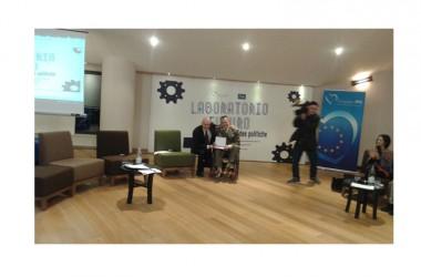 """Il Ten. Col. Gianfranco Paglia riceve il premio """" Io penso positivo"""""""
