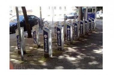 Il bike-sharing è fallito a Lecce. Buttate risorse pubbliche per 255.300 euro. Le denunce di turisti che alla stazione hanno trovato la spiacevole sorpresa delle colonnine vuote