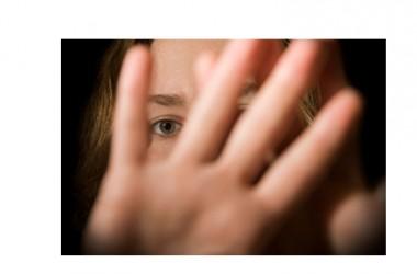 """Vittima di stupro racconta quanto sia difficile denunciare. """"Violentata anche dalle vostre domande"""""""