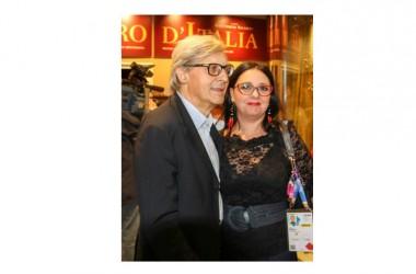 """Vittorio Sgarbi con la mostra evento """"I pittori dal cuore sacro. Da Ivan Rabuzin a Bonaria Manca""""."""