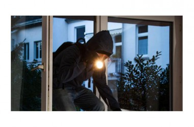 Ladri di nuovo in azione nella notte in un appartamento in Viale Europa