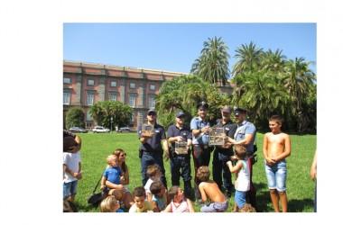Blitz Carabinieri e guardie Zoofile E.M.P.A. nel mercato abusivo degli uccelli di Napoli, via Gianturco