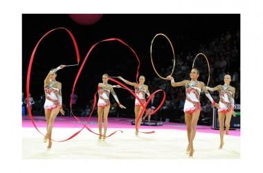 """Entusiasmo per le """"farfalle""""della ginnastica ritmica"""