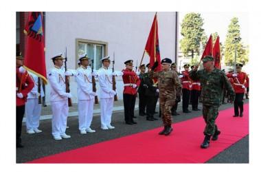 KFOR: Generale Miglietta incontra vertici difesa  interno dell'Albania
