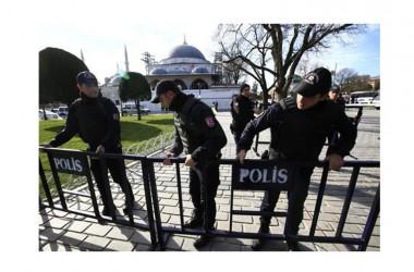 Istanbul: kamikaze si fa esplodere tra i turisti, almeno 10 morti e 15 feriti
