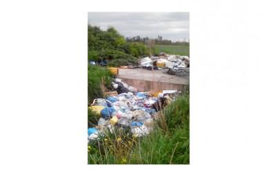 Cancello  ed  Arnone (CE) SP 177 Smaltimento  illecito e  combustione parziale   di  rifiuti  speciali  pericolosi  da  parte  di  soggetti ignoti