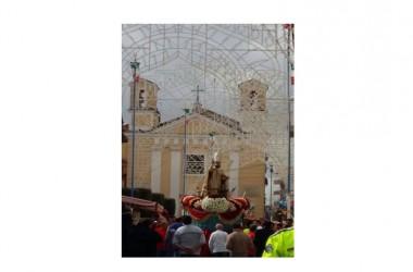 San Nicola La Strada. Ancora una volta San Nicola compie il miracolo della Gioia nella processione della festa patronale