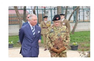 Il principe del Galles visita il quartier generale di KFOR