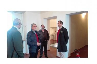 Il sindaco di Napoli De Magistris chiude la mostra dell'artista caleno Carmelo Vicente Rossi a Castel dell'Ovo