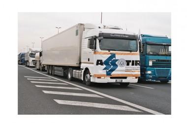 Chiusura delle frontiere: l'autotrasporto lancia l'allarme per l'economia