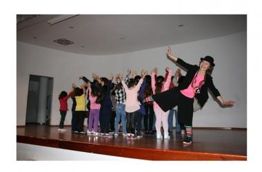 La SIPI promuove la prevenzione e la cura della malattia mentale attraverso il teatro con bambini e strani adulti