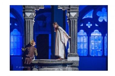 A fine agosto torna ROMEO E GIULIETTA della Tappeto Volante nel Chiostro di San Lorenzo Maggiore a Napoli