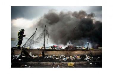 «Terre dei Fuochi», le nostre notti continuano a puzzare di bruciato