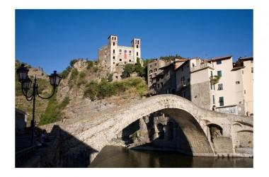 Buon Venerdì con: PONTE DI DOLCEACQUA – IMPERIA \ Liguria