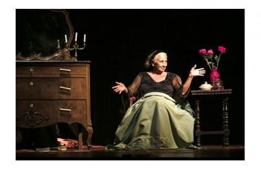 """Mercoledì 26 ottobre: Isa Danieli inaugura la stagione teatrale 2016/2017 del Teatro Nuovo di Napoli con """"Serata d'amore"""" per la regia di Manlio Santanelli"""