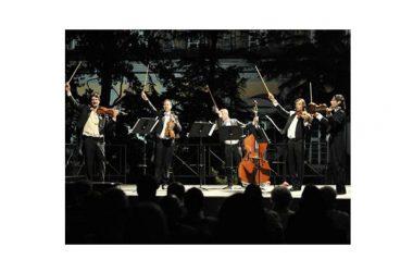 """Al Teatro Ricciardi di Capua: domenica 1 gennaio alle 11.30 brindisi e concerto con il """"Cinquetto"""" del Teatro San Carlo di Napoli"""