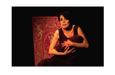 """Al Teatro Bolivar NOTTI ROSA: """"REGINE"""" con Rosaria De Cicco domani 23 febbraio"""