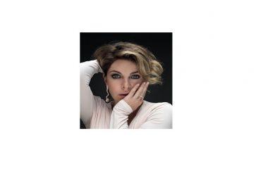 """Domenica 12 marzo: Claudia Gerini in """"Storie di Claudia"""", al Teatro Massimo di Benevento"""
