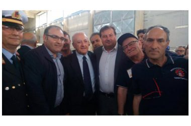 Il Presidente della Regione Campania consegna Pick-up in comodato d'uso alla Protezione civile