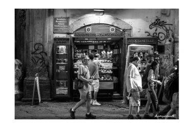 Napule è: Il racconto di Fabrizio Jelmini e le sue foto