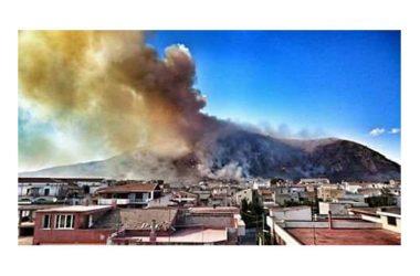 Incendio monte Petrino, Mondragone Resiste chiede l'attivazione dello stato di emergenza