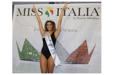 Miss Italia  Andrea Paola del Prete vince la fascia di Jambo1