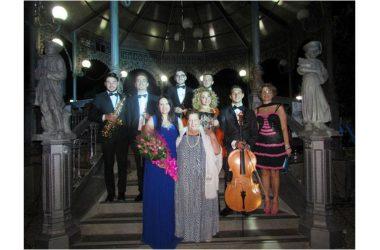 """Grande successo per la """"Serata in musica sotto le stelle"""", ovvero il concerto del Soprano Lirico Internazionale Teresa Sparaco"""