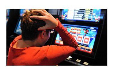 Gioco d'azzardo, troppi giovani frequentano le sale giochi e le slot machine, ci vuole maggiore prevenzione