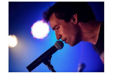 """Da oggi in radio """"IL MONDO STA GIRANDO"""", il nuovo singolo di FRANCESCO BELLUCCI estratto dal disco d'esordio """"Siamo Vivi""""."""