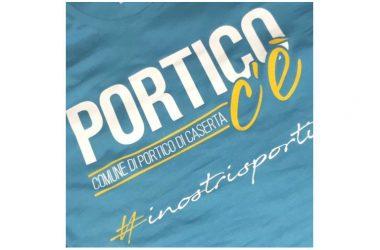 """""""Portico C'è"""". Una t-shirt per sostenere gli sportivi portichesi in Italia e nel mondo"""