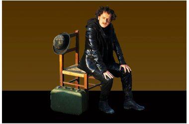 """Giovedì 30 novembre: Roberto Azzurro è regista e interprete di """"Scarrafunera"""" di Cristian Izzo, al Teatro Elicantropo di Napoli"""