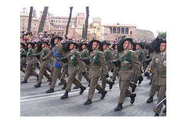 """Al centro Laila di Castel Volturno si festeggia con la Fanfara dell'Ottavo reggimento Bersaglieri """"Garibaldi"""" di Caserta"""