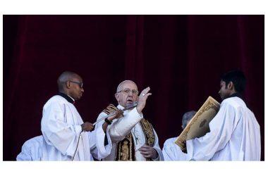 """""""Gesù è nei bambini figli di disoccupati e migranti"""": la benedizione urbi et orbi del Papa"""