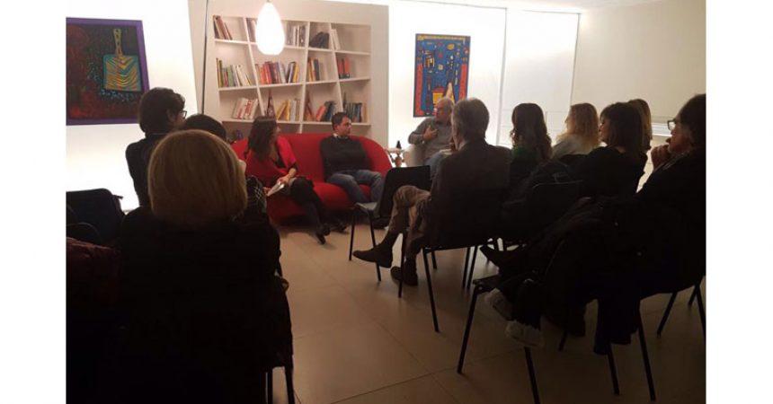 Divano Maria Rosaria : Circolo dei lettori di capua sabato gennaio u ctre sul divano