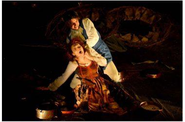 IL BACIAMANO. Giovanni Esposito porta in scena il corrosivo testo di Santanelli al Teatro Civico 14