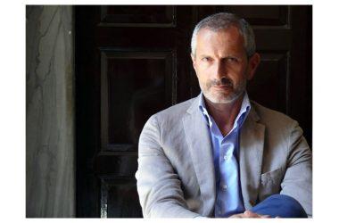 """Mercoledì 18 aprile: Gianrico Carofiglio è autore e interprete de """"La manomissione delle parole"""", in scena al Teatro Garibaldi di Santa Maria Capua Vetere"""