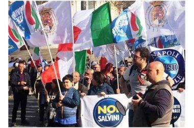 A Napoli presidio di controinformazione  alternativo alla strumentale manifestazione promossa dal sindaco de Magistris a piazza Municipio