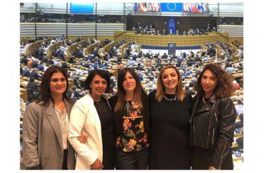 """MeetUp Parete e Trentola Ducenta incontrano Isabella Adinolfi, l'eurodeputata: """"Rete del movimento presente per i problemi dei cittadini"""""""